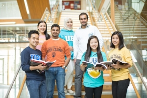 students_largegroupbooks_multicultural_canada_2014_0