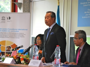UNESCO-IBE and Malaysia project on strengthening curricula for girls in Africa and Asia